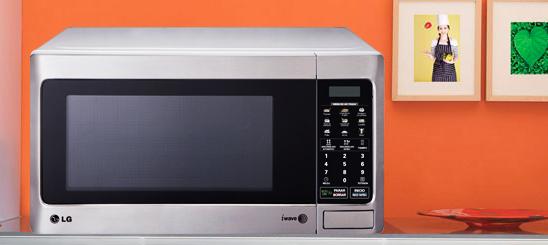 ¡Alerta!10 cosas que nunca debes meter en tu microondas