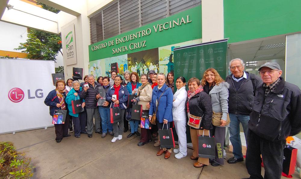LG CAPACITARÁ A MÁS DE 300 ADULTOS MAYORES EN EL USO DEL SMARTPHONE