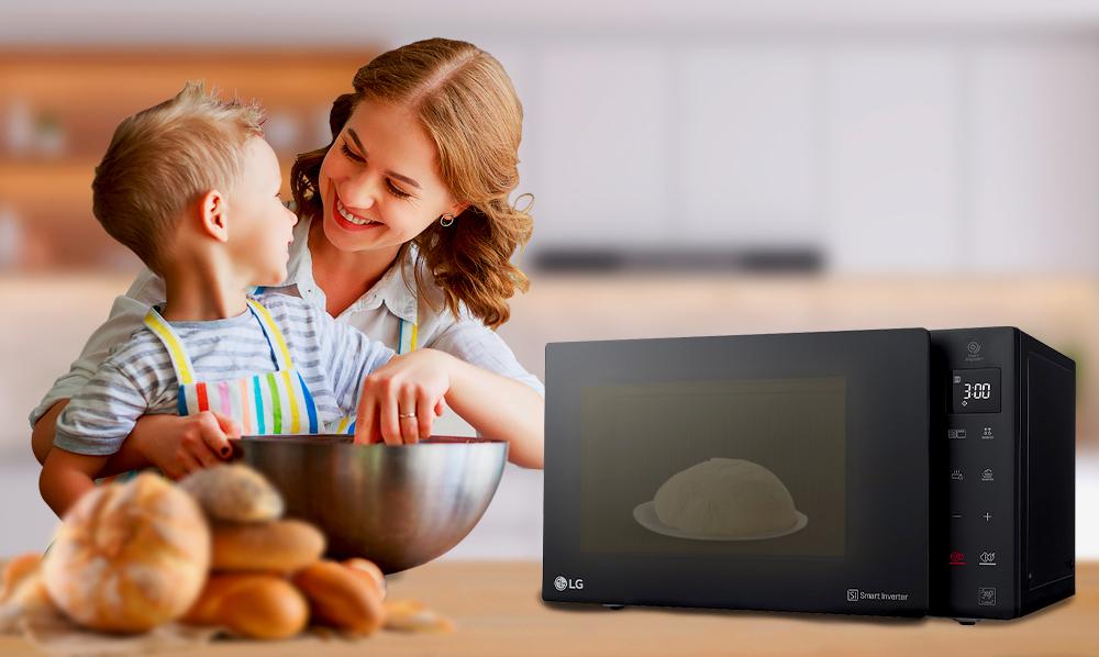 ¡Aprende a preparar pan en el microondas LG NeoChef!